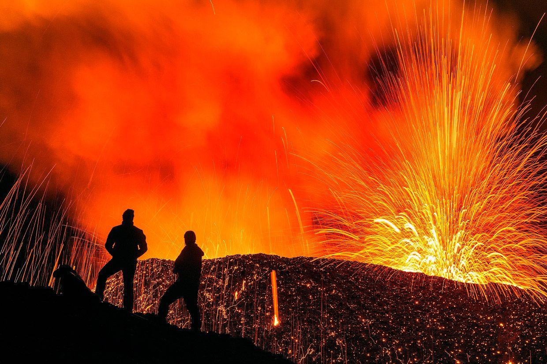 Вулкан Питон-де-ла-Фурнез и врата ада во Франции.
