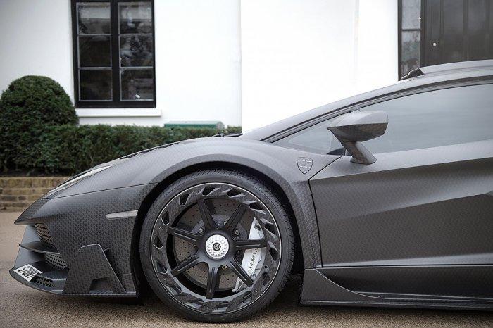 Lamborghini_Aventador_750_005
