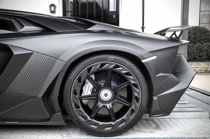 Lamborghini_Aventador_750_006