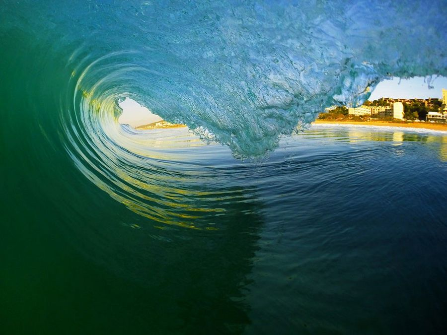 Wave_Riding_by_Ocean_014