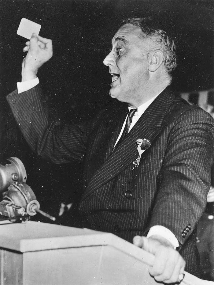 Франклин Рузвельт разъезжал на машине Аля Капоне