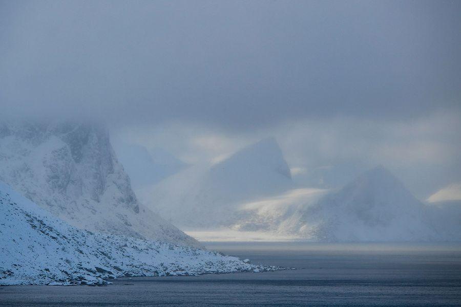 Туман и горы.