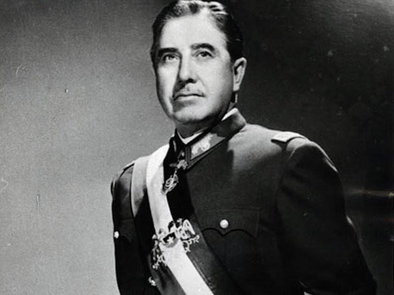 Аугусто Пиночет преподавал геополитику в Военной Академии.