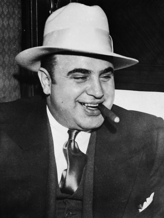Аль Капоне: 1,3 миллиарда долларов