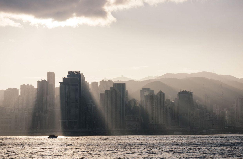 Рассвет над Гонконгом. Фото: Robert Harding