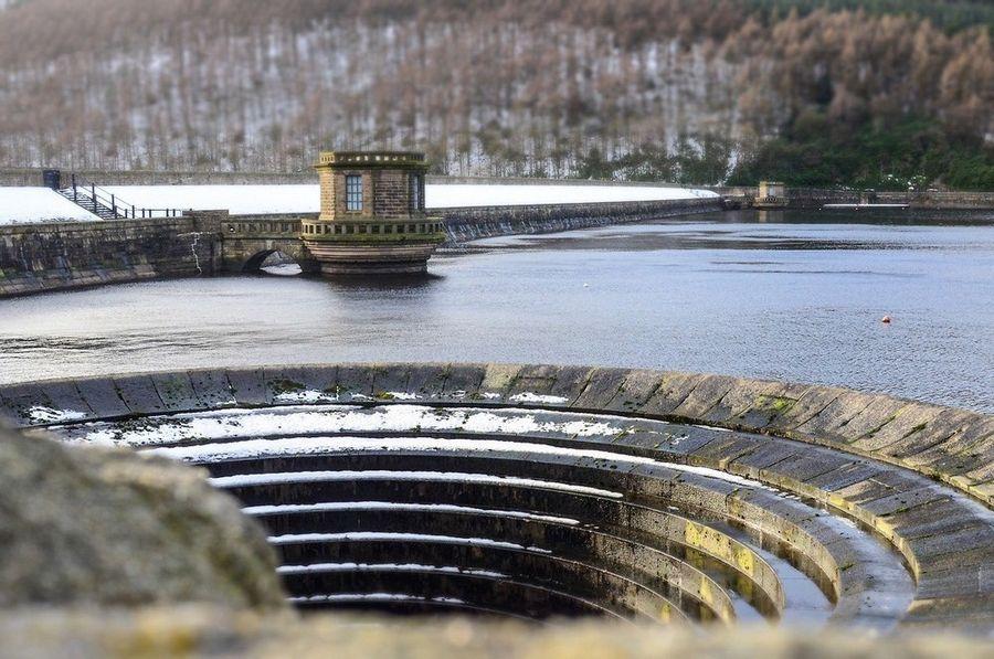 Воронки на водохранилище Ледибауэр