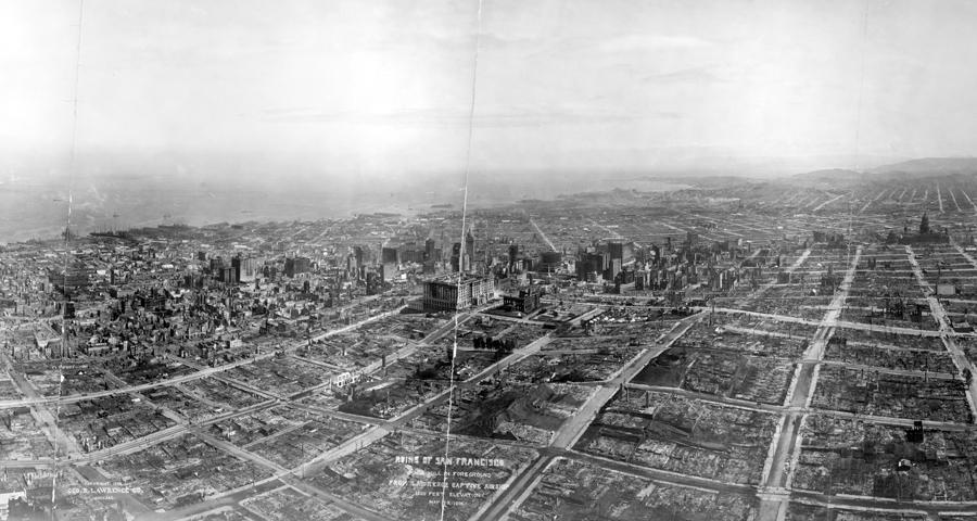 Руины Сан-Франциско в Ноб-Хилл, фотография с дирижабля на высоте 457 метров, 29 мая 1906 года, через 41 день после катастрофы.