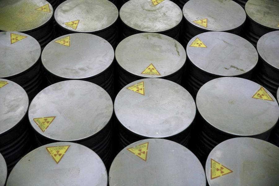 Контейнеры по переработке жидких радиоактивных отходов на Чернобыльской АЭС, 23 марта 2016 года.