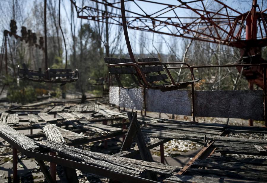 Парк развлечений в центре заброшенного города Припять 28 марта 2016 года.
