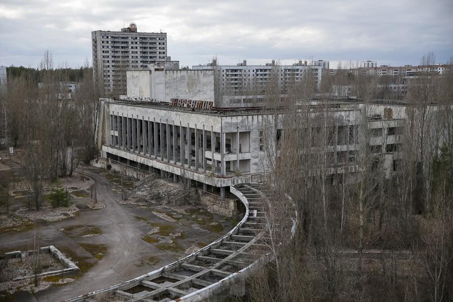 Вид на заброшенный город Припять, Украина, 23 марта 2016 года.
