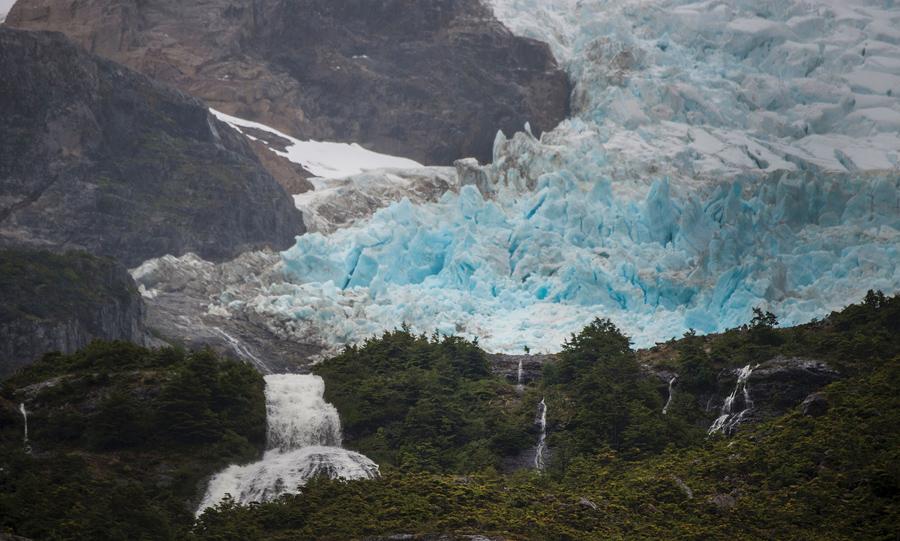 Ледник Серрано, в национальном парке Бернардо О'Хиггинс, 21 февраля 2016 года.