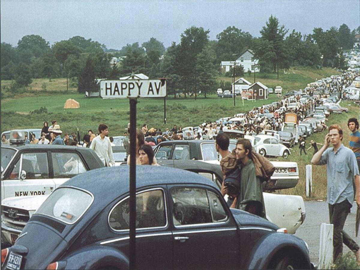 Бетел, Штат Нью-Йорк Августа 1969 Года, Движение По Дороге На Вудсток