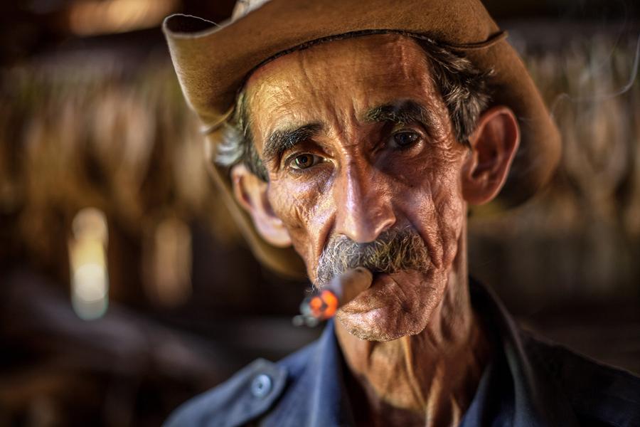 В Кубе мы случайно наткнулись на ферму Мартинеса который рассказывал о табачной культуре.