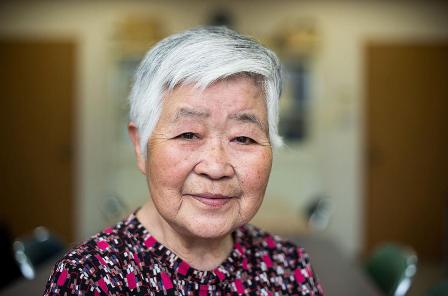 Мисако Катани (Misako Katani), 86лет, подверглась воздействию радиации в Хиросиме и Нагасаки. Фото из дома престарелых в префектуре Хиросима, 26 мая 2016 года. Катани, пережила взрыв в Хиросиме 6 августа 1945 года, затем снова подверглась облучению в Нагасаки после того как город подвергся бомбардировке 9 августа.
