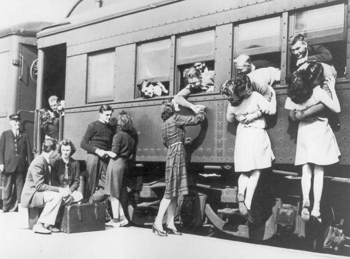 Прощание перед отъездом на Великую Отечественную Войну