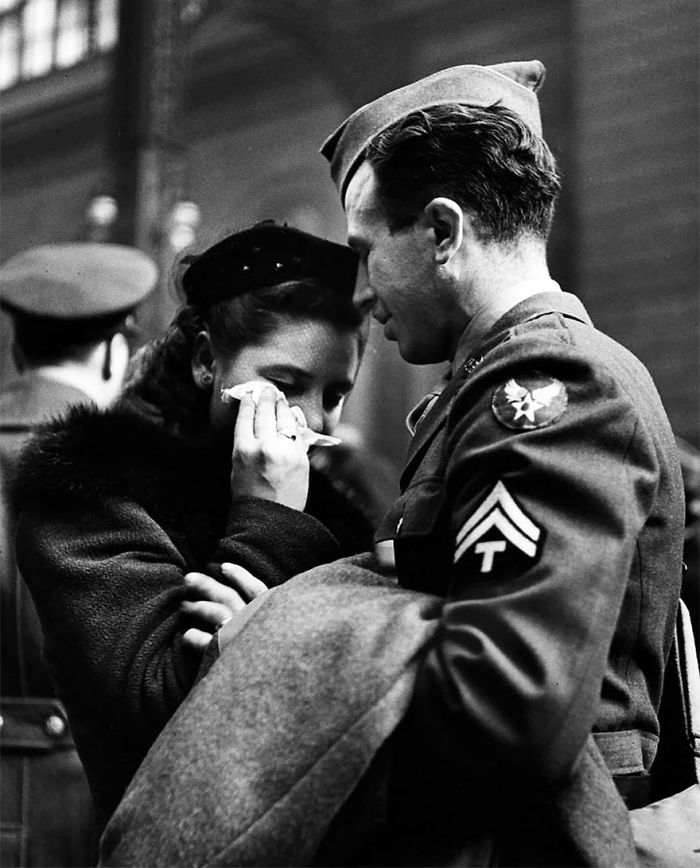 Прощание с уходящим на войну солдатом, станция в Нью-Йорк Пенн, апрель 1943