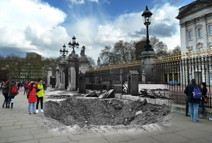 Воронка от снарядов у Букингемского дворца 14 сентября 1940 и то же самое место с туристами 26 апреля 2016.