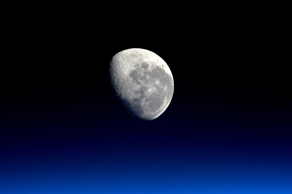 moon_019