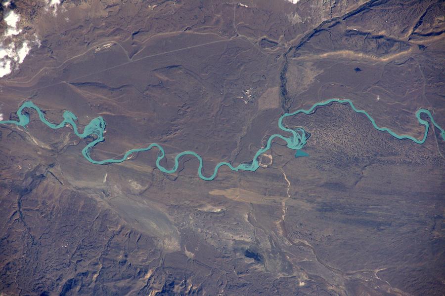 """Красивая """"ледниковая река"""", Рио-Санта-Крус."""