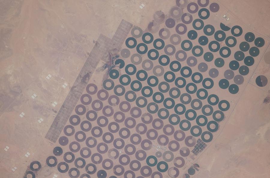 Центр-кругового орошения в центральной части Саудовской Аравии.
