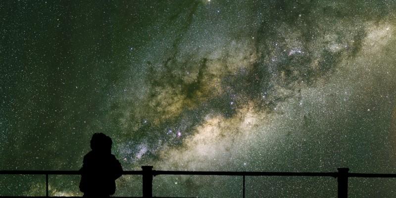 Вселенная постоянно растет