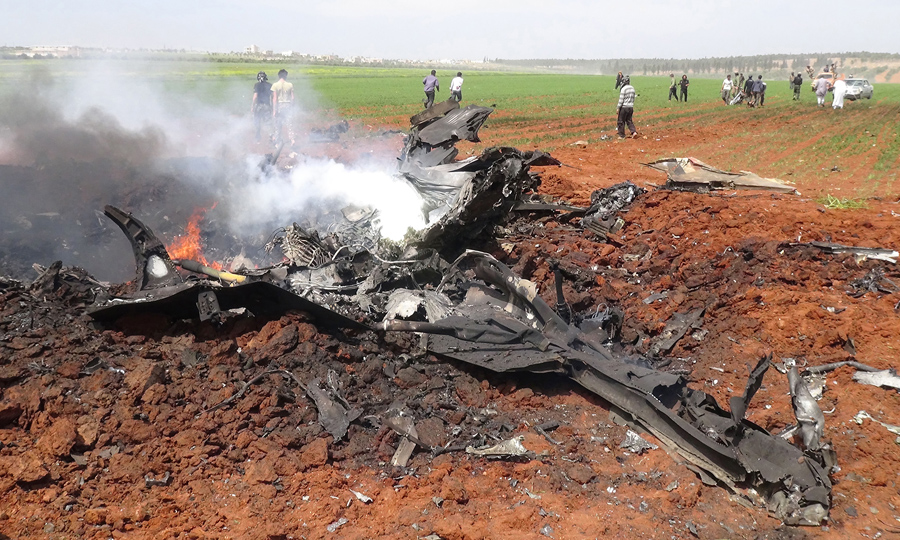 Обломки правительственного самолета.
