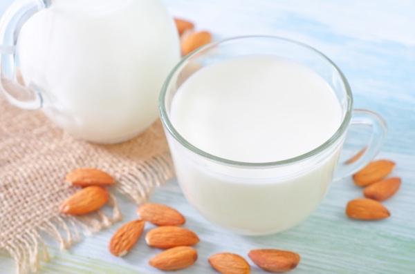 Соевое и миндальное молоко