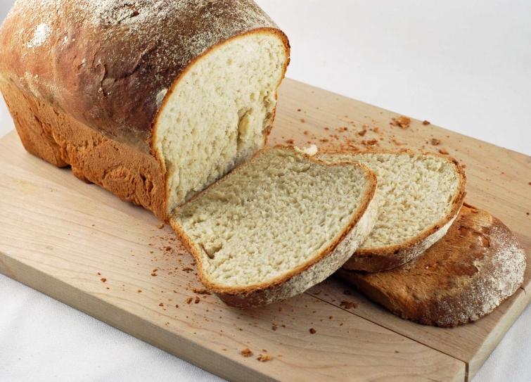Белый хлеб более калорийный, чем хлеб с отрубями