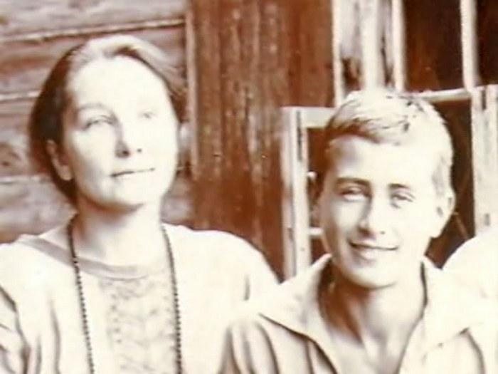 Анна с сыном Владимиром
