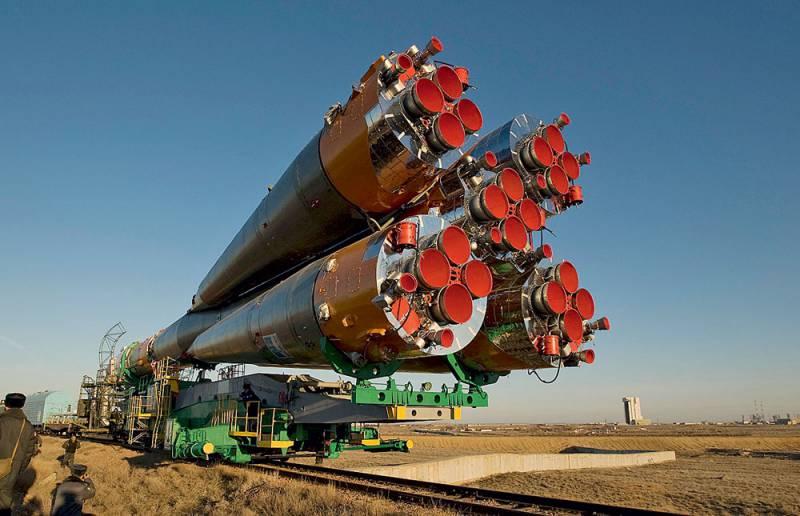 Первая советская баллистическая ракета Р-7 стала родоначальником большого семейства космических ракет, которые внесли огромный вклад в развитие пилотируемой космонавтики. Новейшие модификации ракеты «Союз» — единственные на сегодня средства доставки экипажей на МКС.