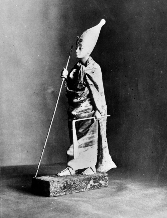 Статуя Тутанхамона