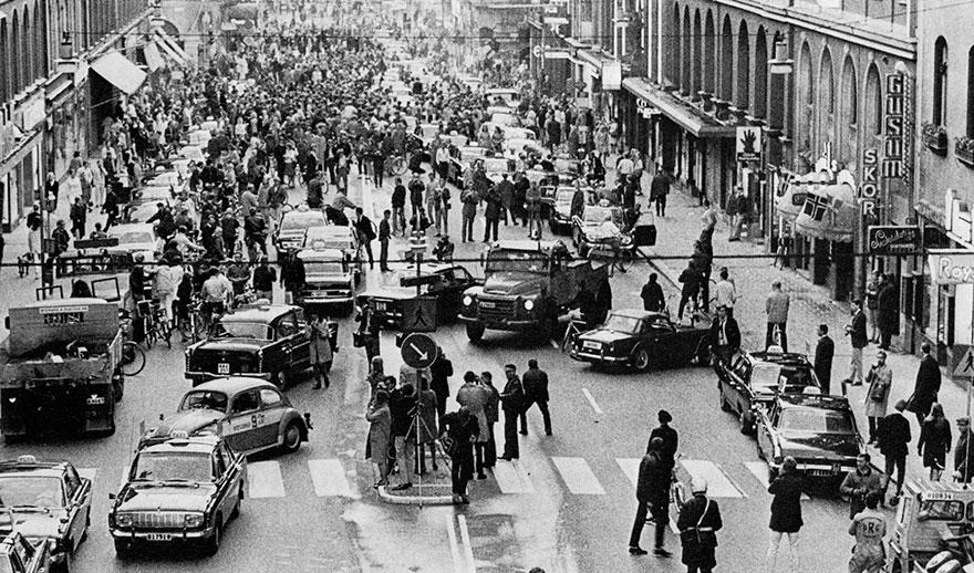 Первое утро в Швеции после изменения езды по улицам с левой стороны на правую, 1967г.