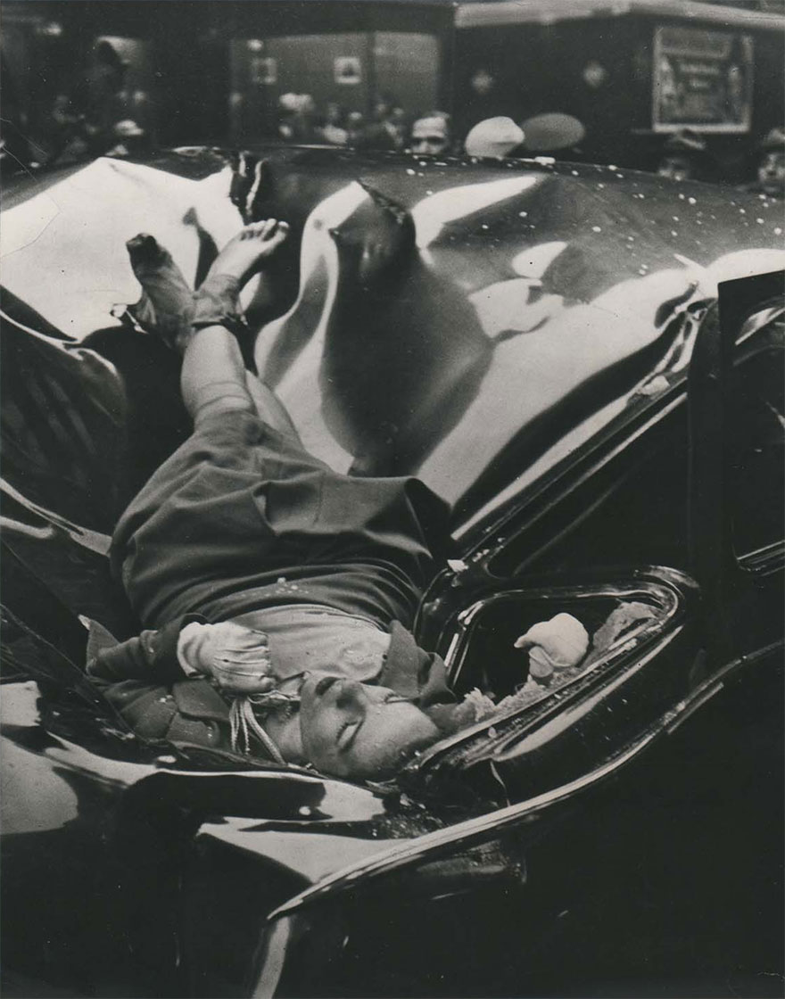 Эвелин Макхейл (Evelyn Mchale) спрыгнула с Эмпайр-стейт-билдинг, 1947 г.