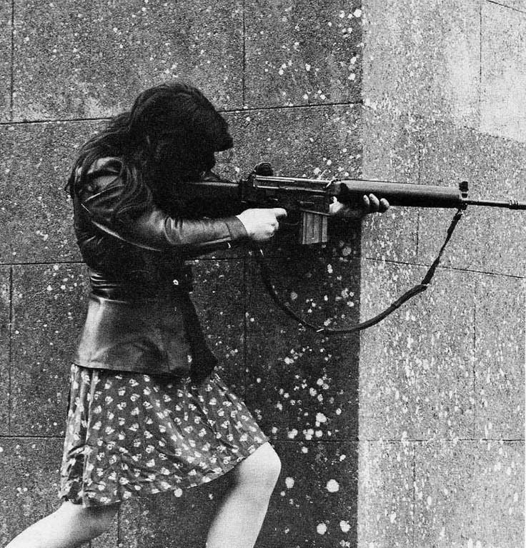 Боец Ирландской республиканской армии (IRA), Ирландия, 1970-е годы.