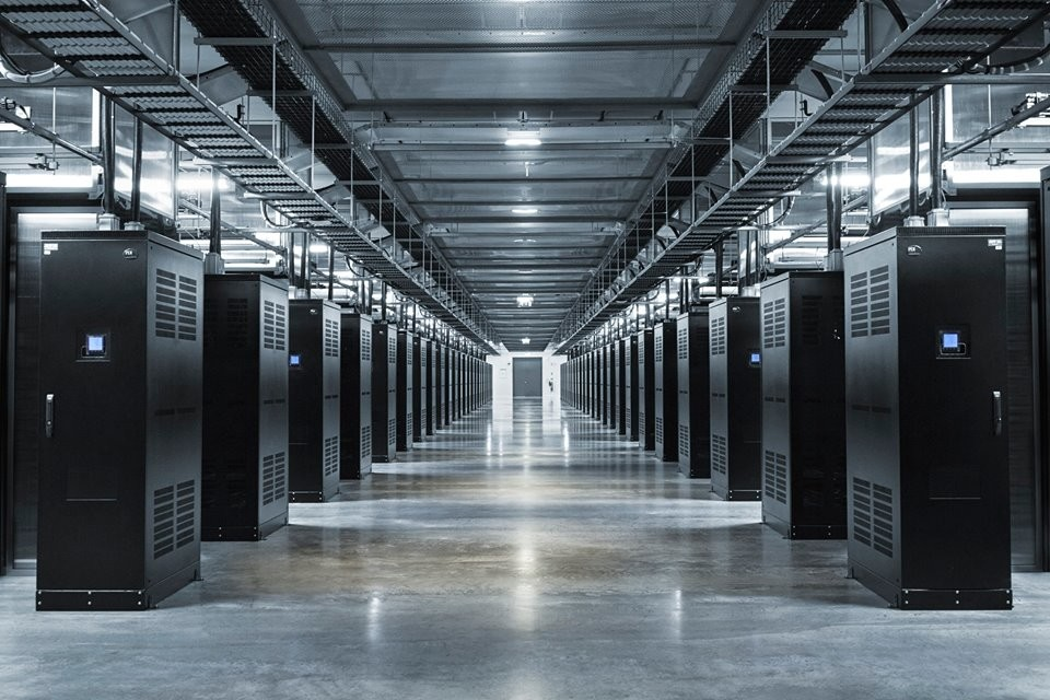 facebook_data_center_06