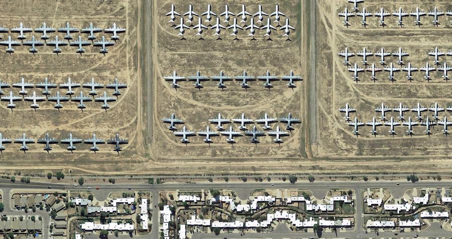 Кладбище самолётов на территории базы Davis-Monthan Air Force Boneyard