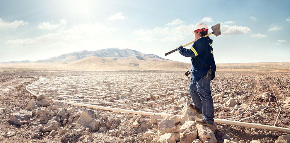 Кэрол Ворн оператор-выщелачиватель в «Marigold Mining Company», Валми, штат Невада.