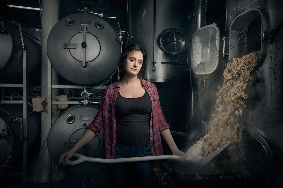 Кристина Буррис пивовар и менеджер в пивной компании «St Benjamin's Brewing», Филадельфия, штат Пенсильвания.