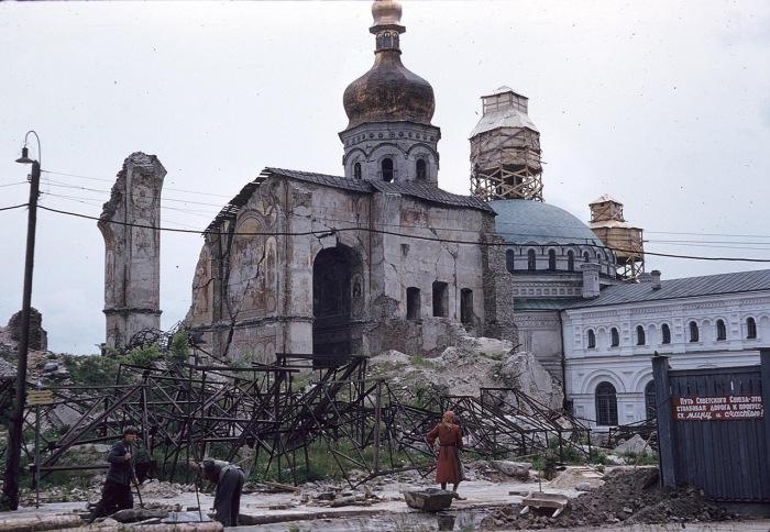 Собор в руинах