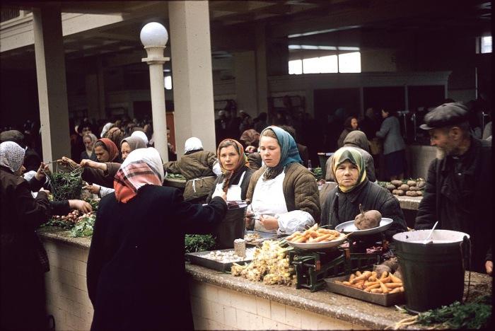 Рынок с овощами