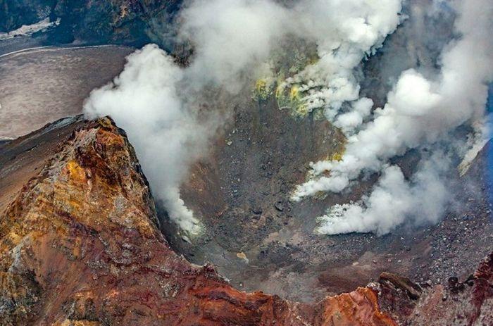 Вулкан Мутновский, Полуостров Камчатка
