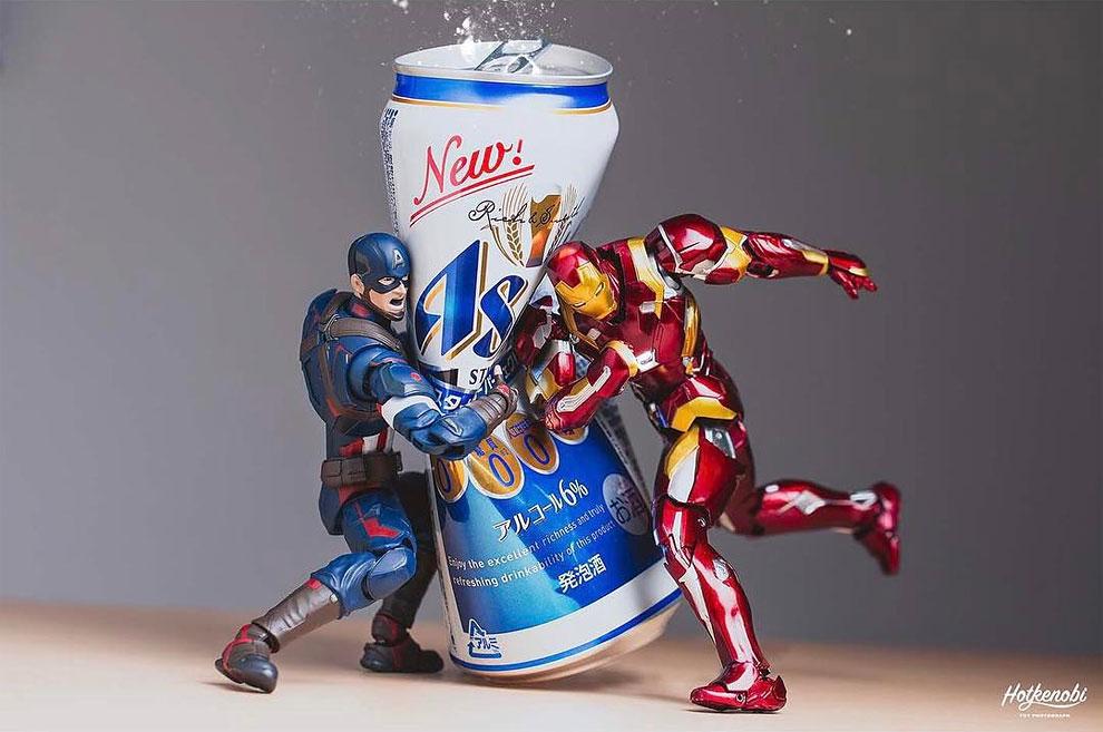 Японский художник создает ошеломляющие фото из фигурок супергероев