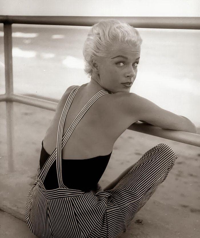 Фотографии женщин 40-50-х годов