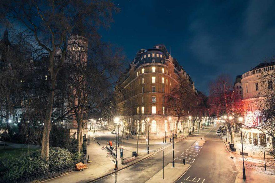 Париж без людей в фотографиях Хенаро Барди