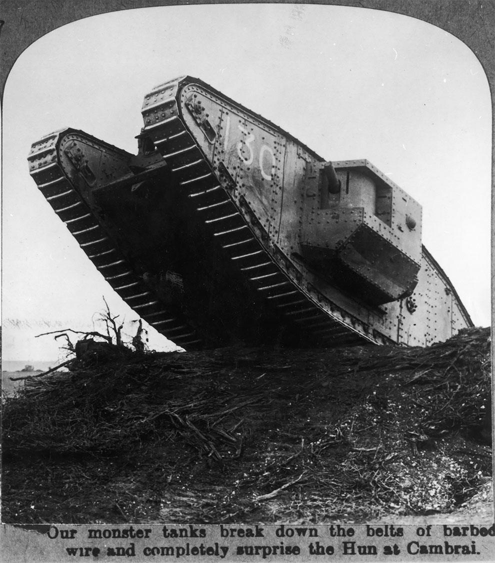 Британский танк, который сумел прорвать немецкую защиты в Камбре, 1918 год.