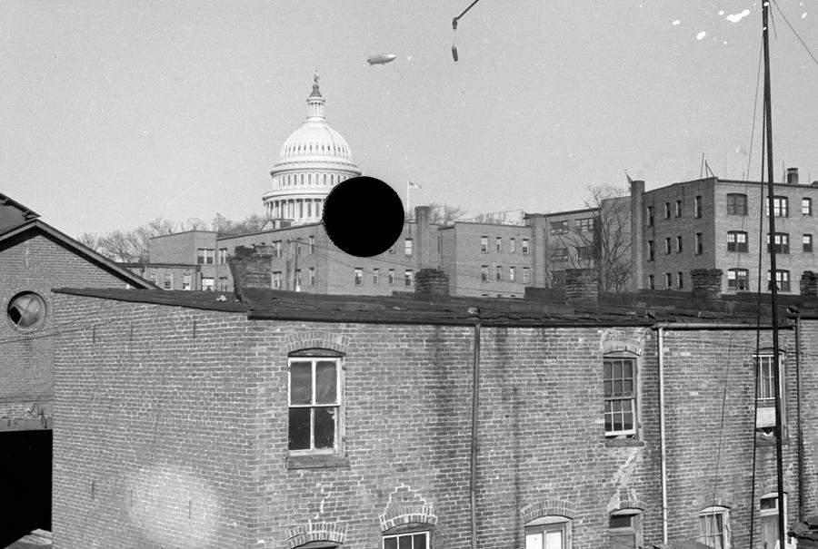 Дырявые фотографии Библиотеки Конгресса США