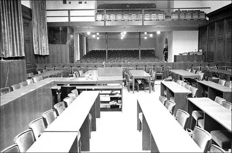 Общий вид зала заседаний Международного военного трибунала во Дворце юстиции, где проходил Нюрнбергский процесс.