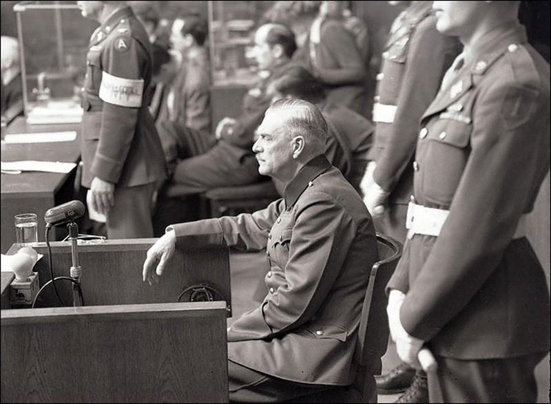 Допрос подсудимого Вильгельма Кейтеля на Нюрнбергском процессе.