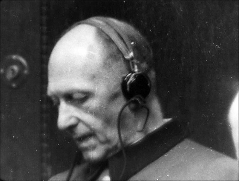 Начальник Генерального штаба вермахта генерал от инфантерии Альфред фон Иодль.