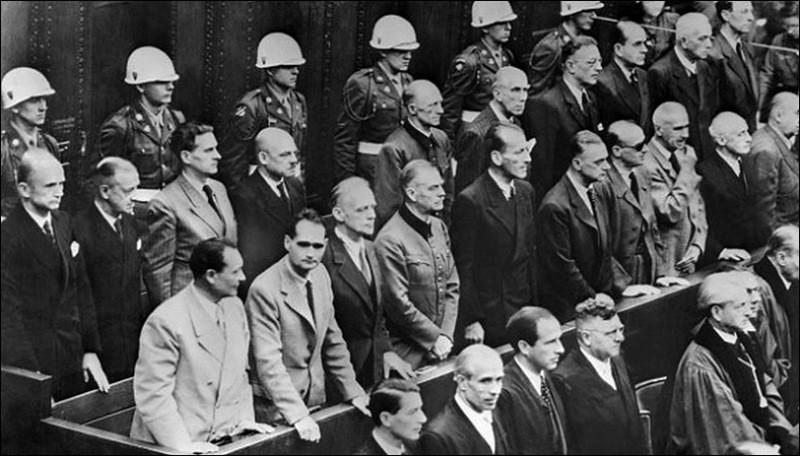 Вид на скамью подсудимых Нюрнбергского процесса во время оглашения приговора. 01.10.1946 г.
